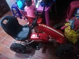Vendo carro para niño en buen estado económico