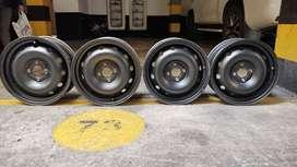 Rines Renault Negros 4 Huecos Originales - PRECIO POR LOS 4 RINES