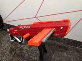Vendo pistola nerff mega casi nueva