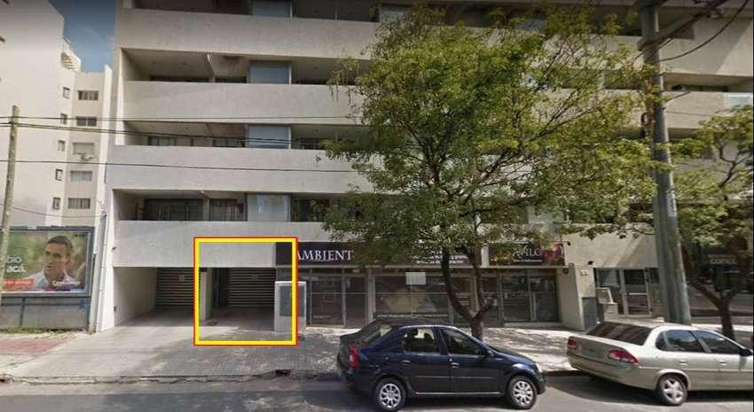 Se alquila cochera en calle Bedoya 987 - Barrio Cofico. 0