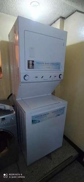 Lavadora secadora marca Frigidaire. A gas. Acepto pago con tarjeta de crédito