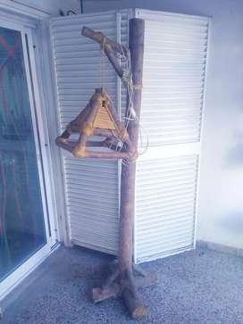 Lampara  de pie rústica de 100% realizada en tronco