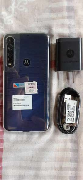 Solo por hoy Motorola g8 plus nuevo sin uso libre para todas las companias vidrio templado y funda
