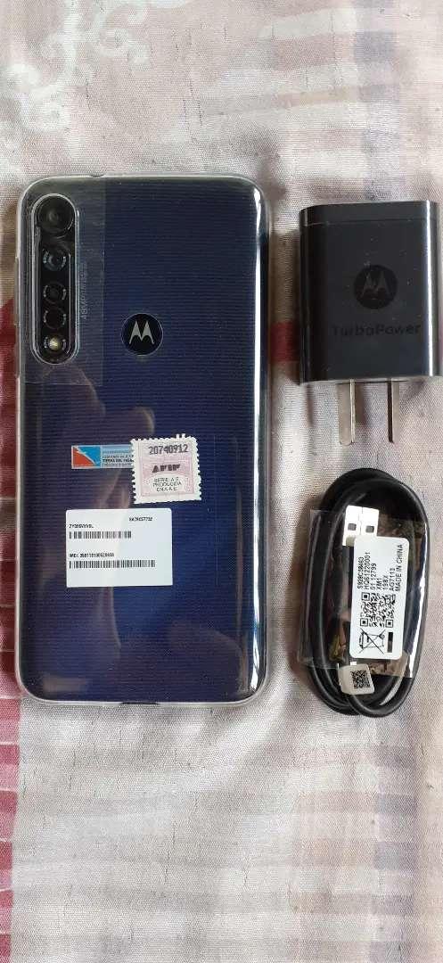 Solo por hoy Motorola g8 plus nuevo sin uso libre para todas las companias vidrio templado y funda 0