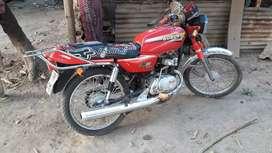Vendo mi moto al dia