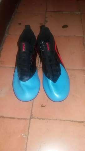 Zapatos de futbom