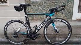 Bicicleta triatlón de carbono Focus