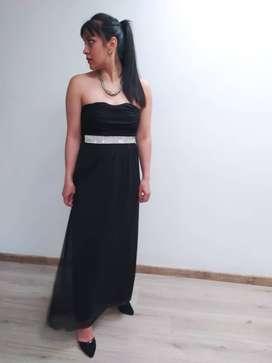 Vestido fiesta largo negro con pedreria