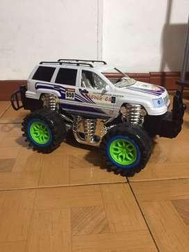Carro juguete grande