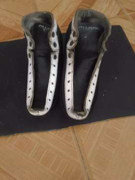 Se vende bota para patines