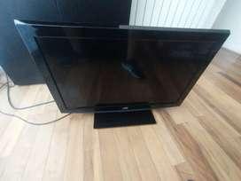 Televisor JVC 32 Pulgadas LCD con control remoto