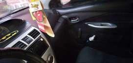 Vendo por ocasion un auto modelo yaris del año 2010 con papeles en regla negociable