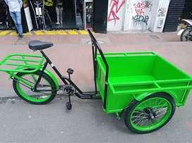 Triciclo de carga delantera