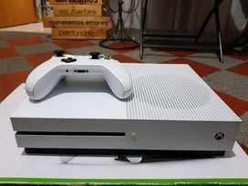 Vendo Xbox One S 2tb