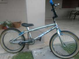 Bicicleta Freestyle United Rod 20 Cromado