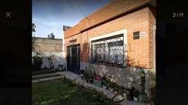 Oportunidad Amplia Casa con depto Florencio Varela