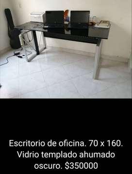 Excelente escritorio al mejor precio. Negociable