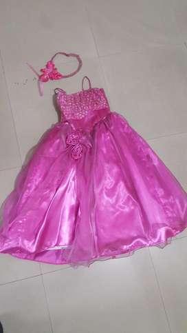 Disfraces niñas Princesas Bella, Monster Hight, Brujas, Pastor, Guayaquileña