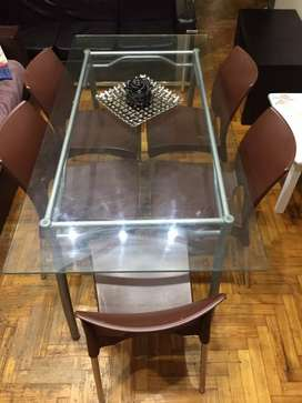 Mesa de vidrio con 5 sillas Exelente oportunidad