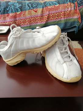 Zapatos Nike retro para niña talla 35
