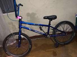 Bicicleta Tipo Bmx, como nueva!