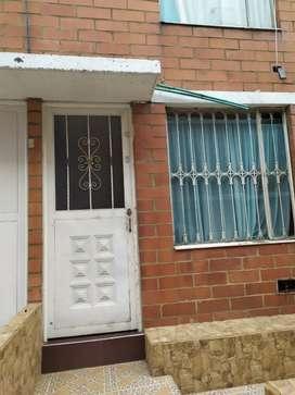 Se vende casa de conjunto