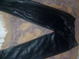 Calzas engomadas negras t:unico