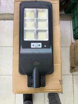 Lámpara solar 200w con control