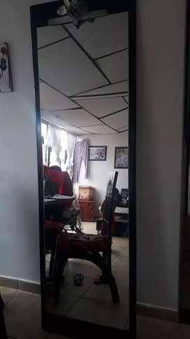 Se vende espejo de 2 metros