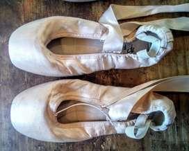 Zapatillas de punta raso nro 38 poco uso