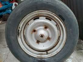Rueda de Auxilio Peugeot 504