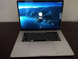 Macbook Pro TouchBar 15 Retina - 512GB SSD - Core i7 2017
