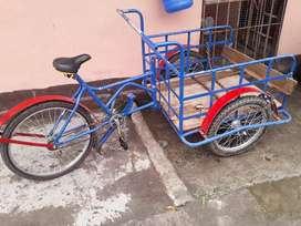 Se vende triciclo casi nuevo una semana de uso