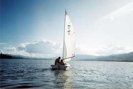 Bote de Vela GlenL 12 en Madera Y Fibra de Vidrio con trailer