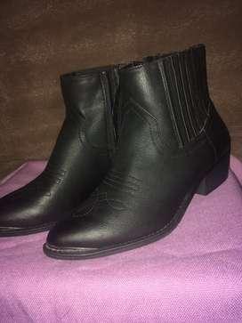 Botas cortas negras