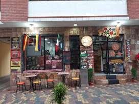 Se vende local de pizzería por motivos de viaje