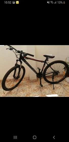 Vendo bicicleta aro #29, frenos de disco, amortiguadores, etc.
