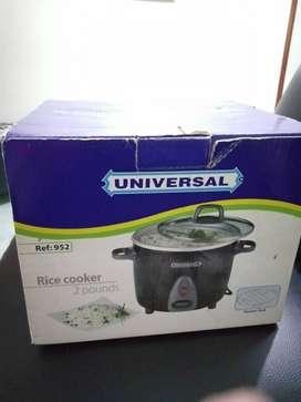 Se vende olla arrocera totalmente nueva universal