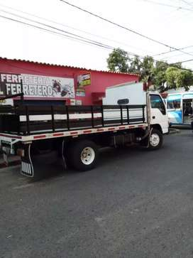 Vendo camion npr en muy buen estado papeles al dia o