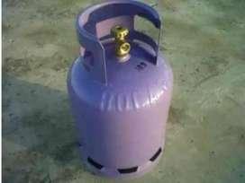 Vendo tubo de gas vacía $2500