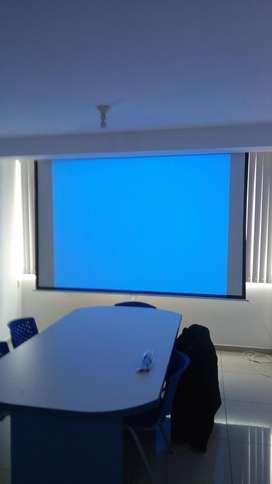 Ecran retráctil de Techo o Pared de 2.40 X 2.40 Mts