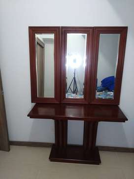 Consola con 3 espejos viselados