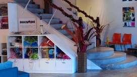 Organizador Laqueado Bajo Escalera En Triangulo 4 Cajones