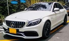 Nueva persiana  GT negra brillamte Mercedes-Benz
