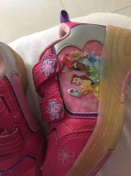 Zapatos con ruedas princesas