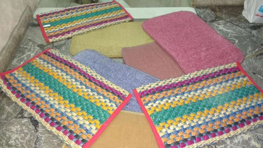 alfombra costado de cama 0