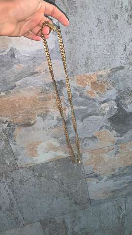 Cadena de bronce