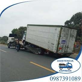 alquiler de gruas plataforma servicio remolque maquinaria montacarga para auto carro camiones pesado en Guayaquil Grua