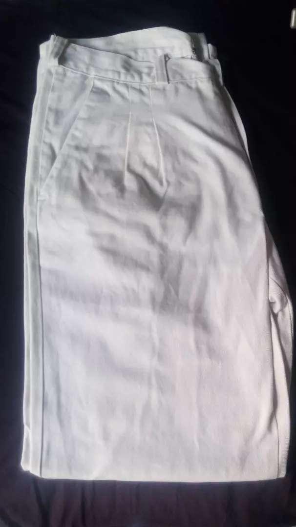 Vendo pantalon de gabardina POLO 0