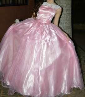 Hermoso vestido de 15 Nuevo una sola postura